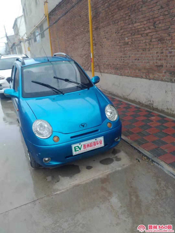 出售电动轿车红色4800元蓝色轿车6950元